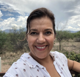 Raquel Mamani: Raquel was born and raised on the beautiful border town of Nogales, Arizona. She is a mother of 11-year old twins and taught in Arizona for 12 years. She has volunteered with SOSAZ every step of the way.